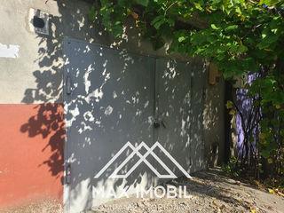 Garaj capital cu subsol, str-la Florarii, 43 m.p.