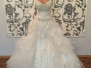 Rochie de mireasa cu decoratiuni cusute manual.Culoare ivory