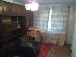Двухкомнатная квартира на Гвардейской без ремонта, но готовая к вселению