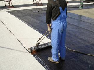 Oferim lucru de hidroizolare acoperisuri