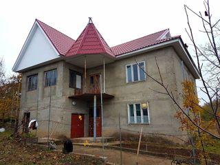 Pret nou p-ru casa cu 2 nivele, beci si garaj, in Criuleni, chiar linga traseul Chisinau