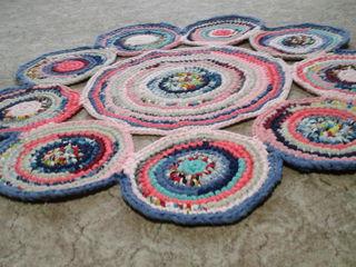 Современные коврики ручной работы
