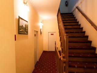 Сдается квартира в центре по часовую -70 mdl посуточно 499 mdlИндивидуальный дизайн, мягкая мебель