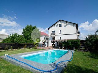 Ofertă Excepțională! Casă 450 mp, 10 dormitoare, euroreparație, Dumbrava!