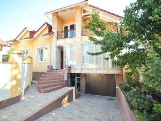 Vânzare, casă, str. Paris, 162000 €