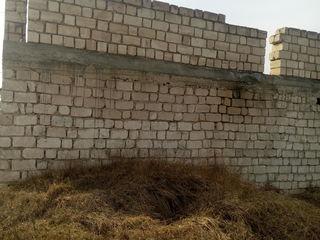 Se vinde casă nefinisată,Cahul-Micro 15  28000 euro