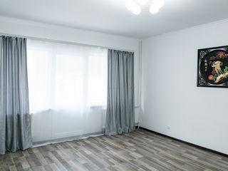 Apartament cu 2 camere, Rîscanovca, etajul 4/9, cu podea calda si reparatie!