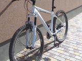 хороший горный велосипед, купил. и ездил два раза!