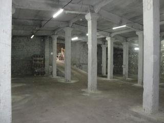 Chirie Depozit - 437 m2 In Piata De Materiale De Constructie Din Str.Uzinilor 11