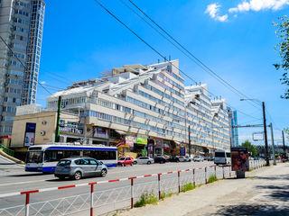 Oferta unica! Apartament chirie 3 camere Jumbo 360 euro