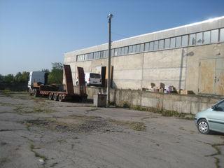 Продается производстенно-складская база в Бельцах.