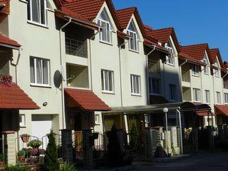 Apartament in Townhouse. Cuza Voda inters cu Independentii. Евро коттедж! 660 euro/m2