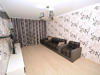 Срочно сдам 2-х комнатную квартиру Евро ремонт  !!