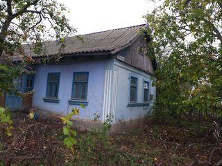 Se vinde casa pe pamint in rn.Leova, sat.Sarata-Noua, str. Doina
