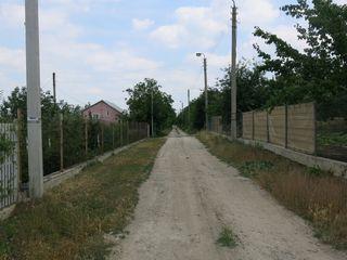 Lot de construcție 6 ari lîngă Ialoveni (Piatra Albă – Mileștii Mici, suburbia apropiată a Chișinăul