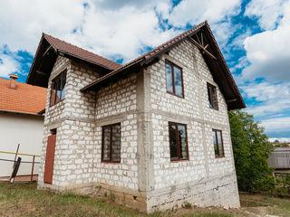 Casa la trei minute de Chisinau