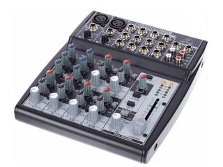 Mixer Analog Behringer Xenyx 1002 cu 2 intrari de microfon 4 intrari stereo