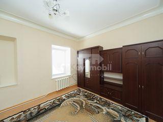 Oficiu în centrul orașului, Pușkin, 350 € !