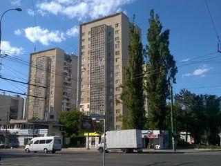 Ул.Каля Ешилор, комната в секции, ремонт, мебель, середина, цена 8500 евро.