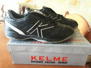 Cпортивная обувь Kelme, бампы для футбола,размер 34.5 стелька 22 см
