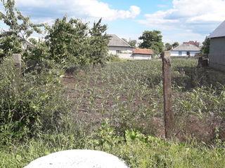 Продам  участок в центре Колонице под строительство 6-ть соток.