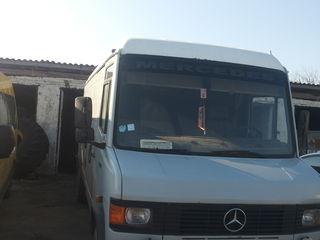 Mercedes REX-709D