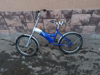 Vind bicicleta foart eftin