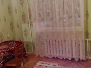 Меняю  три разные-раздельные  Малосемеек в Кишиневе  =  на   квартиру в    Кишиневе