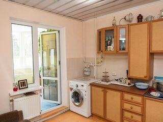 Продается в г.Тараклия 3-х комнатная квартира с евроремонтом.se vinde apartament in or.taraclia