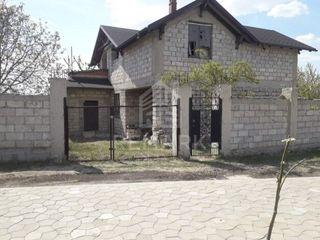 Se vinde VILĂ, or. Codru, 54900 €