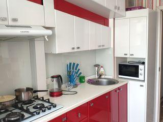 Buiucani! Se vinde apartament cu 1 odaie, bloc nou. Et. 3/10 mobilat si echipat! 42 m.p.!  40 900 €