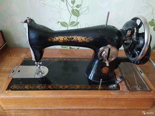 """Срочно! Рабочая швейная машинка """"Подольск"""""""