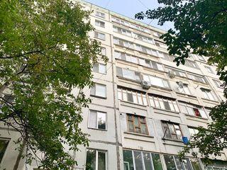 Apartament cu 2 camere 50 m2, Euroreparatie, Buiucani str Alba Iulia, De la Proprietar