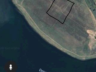 teren de constructie, case ori fazende 12 sote pe malul nistrului 100m de mal