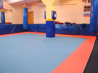 sport  club боксёрский ринг