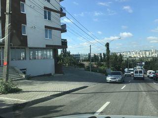 Urgent! 170m.p.. La strada. Vizavi de piata de materiale de constructie.