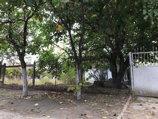 Продается земельный участок под строительство в центре города Комрат.