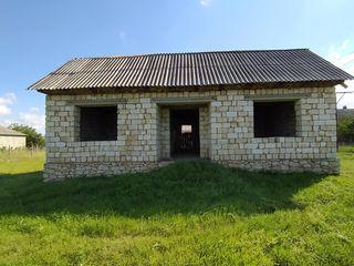 Se vinde casa in satul Cosnita linga  riul Nistru