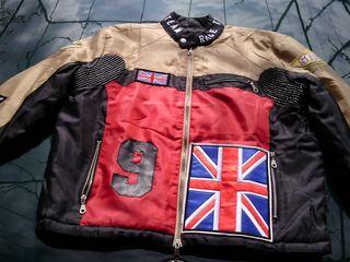 Kуртка  НОВАЯ