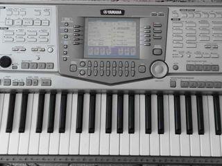 Yamaha PSR-2100