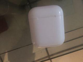Продам аирподс 2 charging case