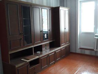Сдается молодой семье 2- комнатная квартира в районе Пэмынтены на длительный период