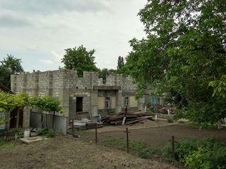 Продаем недостроенный 2-этажный котельцовый дом в г.Рыбница в начале с.Ержово=$10500