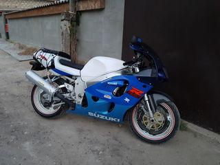 Suzuki Gsx750R Srad