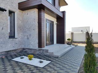 Vânzare, casă în 2 nivele, Poiana Domnească, 149 900€
