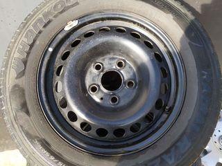 Продам Комплект шины + диски + колпаки от T5 ,215-65-16С