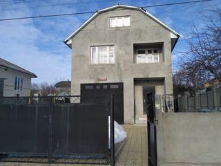 Dobruja (suburbia apropiată a Chișinăului). Casă cu 2 nivele 120 m2. Reparație, garaj, lot 14 ari