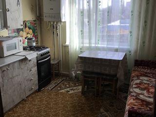 Se vinde apartament, pret negociabil