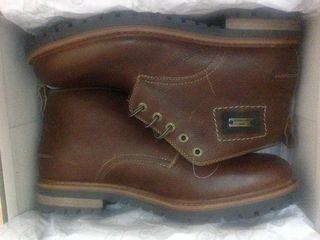 Am - Shoe Company