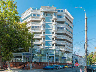 Centru, chirie spațiu comercial, oficiu, 351 mp 3500 euro